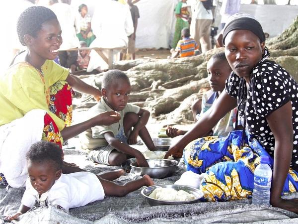 8. Xung đột giữa các tôn giáo đã khiến cho Kinshasa, thành phố lớn nhất của Cộng hòa Dân chủ Congo trở thành cái tên thứ 8 trong bảng xếp hạng. Người dân hiện đang sống dựa vào sự giúp đỡ của các tổ chức phi chính phủ.