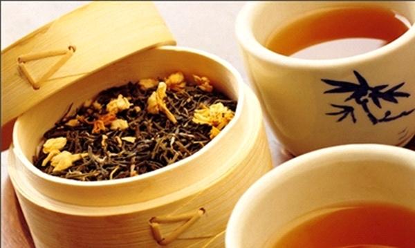 Uống trà hằng ngày sẽ giúp bạn có hơi thở thơm mát hơn (Ảnh: Internet)