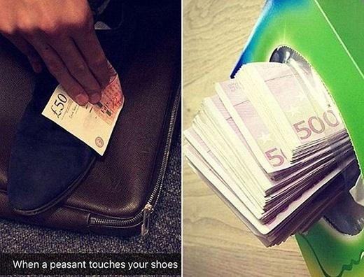 Một nhóm nhỏ các thiếu gia khác thì vì không có khăn giấy dùng nên tạm... dùng tiền. (Ảnh: Internet)
