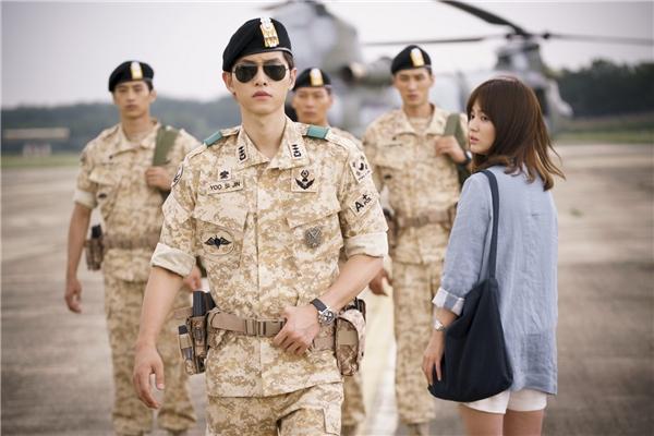 """Song Joong Ki và hành trình từ trai làng chơi đến """"soái ca quân nhân"""""""