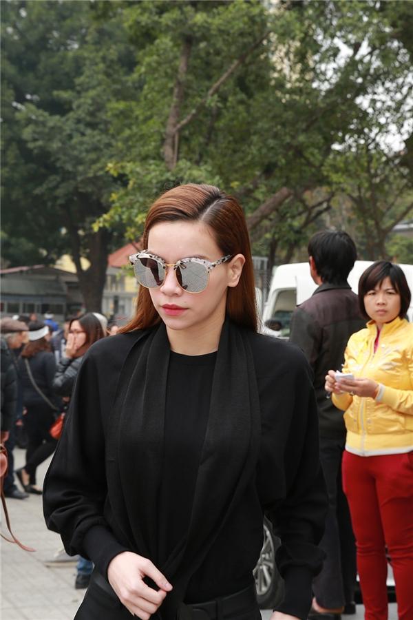 Thu Minh khóc hết nước mắt khi đến đưa tiễn nhạc sĩ Lương Minh - Tin sao Viet - Tin tuc sao Viet - Scandal sao Viet - Tin tuc cua Sao - Tin cua Sao
