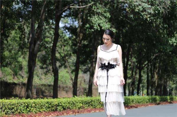Hình ảnh đầy nữ tính của Hồ Quỳnh Hương. - Tin sao Viet - Tin tuc sao Viet - Scandal sao Viet - Tin tuc cua Sao - Tin cua Sao