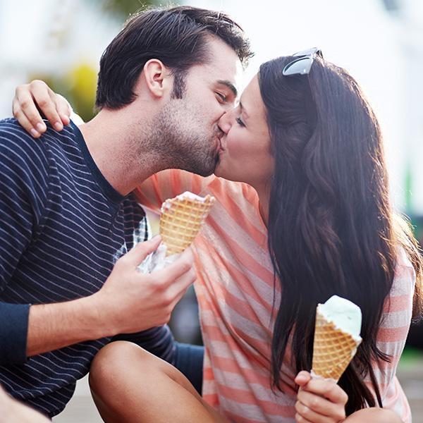 """Tiếng """"chụt"""" sẽ đem lại tiếng cười vàkhiến các cặp đôi thích thú. (Ảnh: Internet)"""
