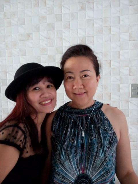 Mẹ Trấn Thành chụp ảnh cùng Lê Thị Dần - Tin sao Viet - Tin tuc sao Viet - Scandal sao Viet - Tin tuc cua Sao - Tin cua Sao