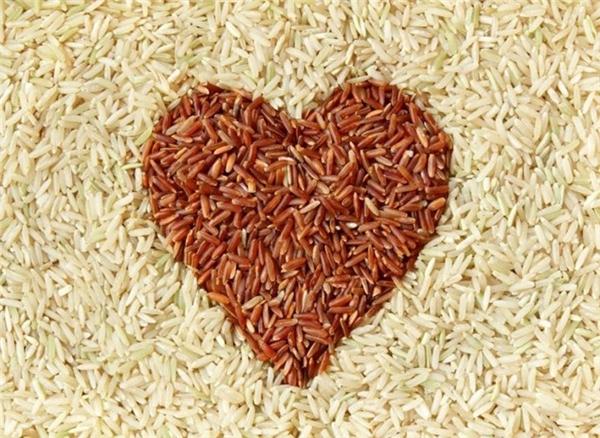 Ăn gạo lứt tốt hơn gạo trắng, chuyên gia dinh dưỡng nói sao?