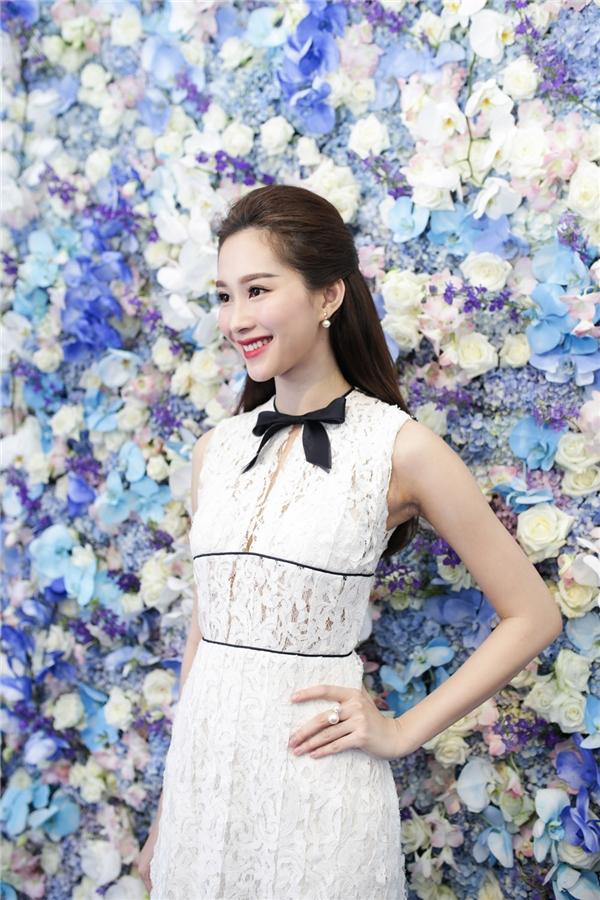 Thu Thảo nổi bật với nhan sắc hoa hậu của các hoa hậu - Tin sao Viet - Tin tuc sao Viet - Scandal sao Viet - Tin tuc cua Sao - Tin cua Sao
