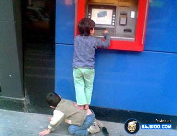 Là người đàn ông chân chính thì phải biết làm trụ cột và mang tiền về cho gia đình.(Ảnh: Internet)