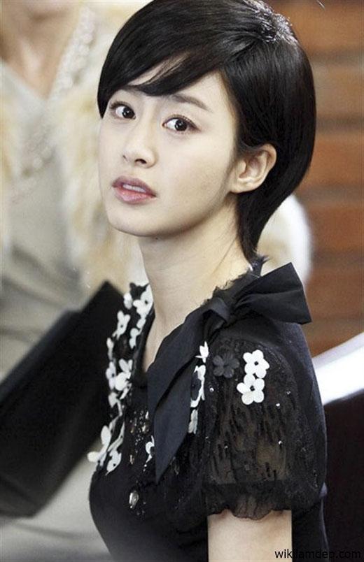 Sở hữu một gương mặt nữ tính nhưng Kim Tae Hee không hề tạo ra sự tương phản nào trong kiểu tóc cá tính như thế này. (Ảnh: Internet)