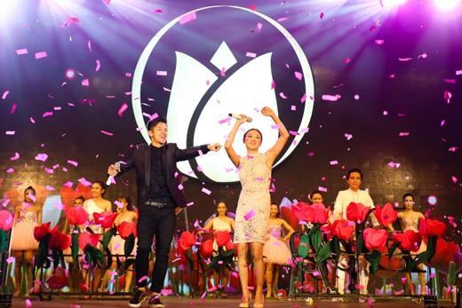 """Bài hát """"Tin vào vẻ đẹp em"""" thực sự là một món quà ý nghĩa khi được cất lên trong một đêm nhạc dành riêng cho các cô gái. - Tin sao Viet - Tin tuc sao Viet - Scandal sao Viet - Tin tuc cua Sao - Tin cua Sao"""