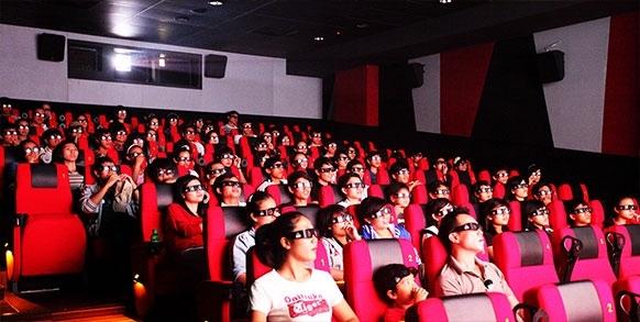 Cùng người yêu đi xem phim cũng là một trong những lựa chọn được nhiều bạn trẻ chọn lựa.(Ảnh Internet)