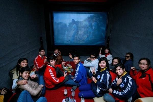 Nếu không thích rạp chiếu phim đông đúc bạn cũng có thể lựa chọn tới những phòng chiếu nhỏ dành cho gia đình, nhóm bạn bè.(Ảnh Internet)