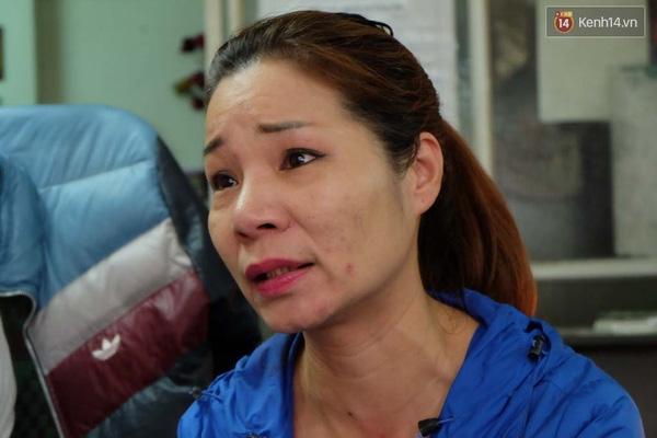 Chị Trang sốc nặng khi biết mình không phải là con ruột bà Hạnh. Ảnh: TTT