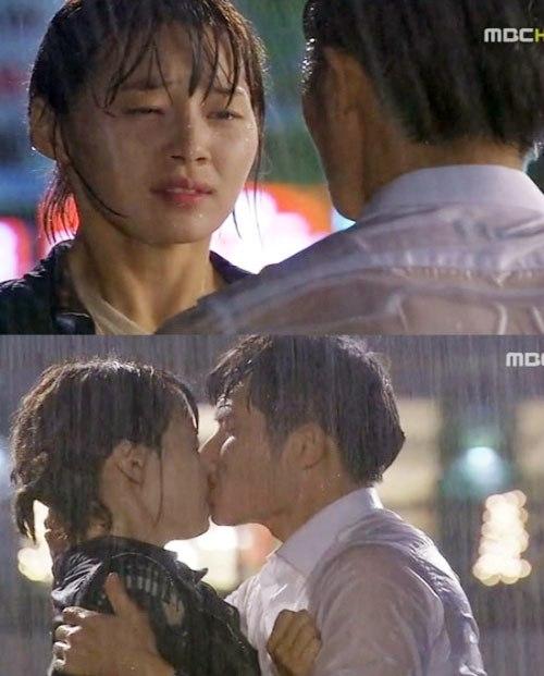 """Nụ hôn """"hòa giải"""" là cầu nối khi hai người giận nhau. (Ảnh: Internet)"""