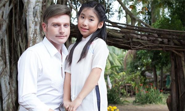 Ca khúc vốn nổi tiếng của nhạc sĩ Trần Long Ẩn này được Kyo York và Ju Uyên Nhi thể hiện lại theo lối truyền thống, thể hiện cách hát luyến láy của dân ca Nam Bộ.