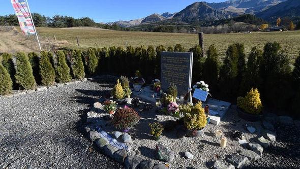 Khu tưởng niệm nạn nhân của vụ rơi máy bay Germanwings.(Ảnh: Express)