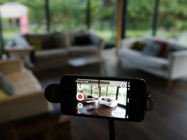 Nhiều phần mềm cung cấp khả năng giám sát trên các smartphone. (Ảnh: Internet)