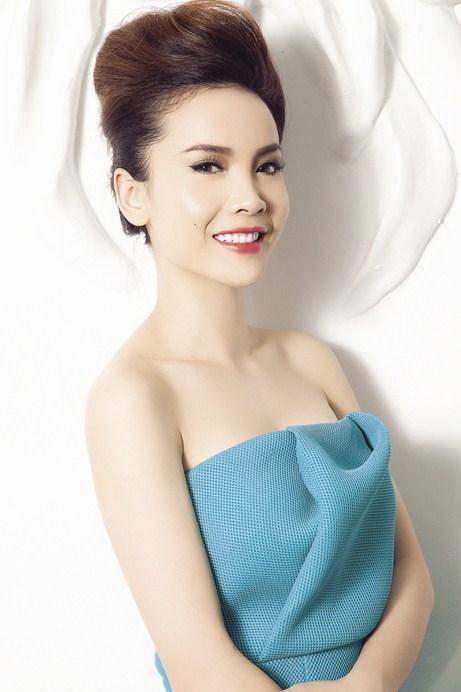Không chỉ là một ca sĩ tài năng, Yến Trang còn là một MC bản lĩnh. - Tin sao Viet - Tin tuc sao Viet - Scandal sao Viet - Tin tuc cua Sao - Tin cua Sao