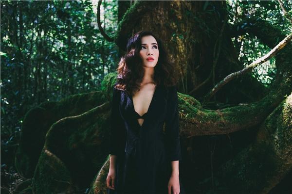 Fan tranh cãi khi Ái Phương diện áo hở ngực trong MV mới - Tin sao Viet - Tin tuc sao Viet - Scandal sao Viet - Tin tuc cua Sao - Tin cua Sao
