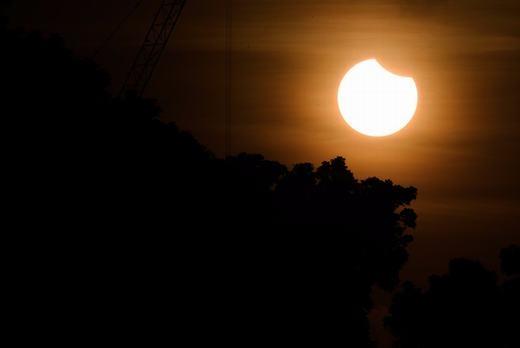 Bầu trời lúc 7g40 tại Singapore. (Ảnh: Ngau Kai Yan)