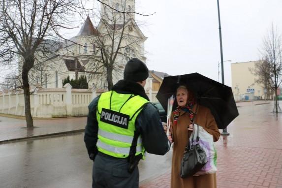 Được biết, Lithuania là quốc gia có số lượng nữcảnh sátthuộc hàng đông nhất thế giới.(Ảnh: Life Daily)