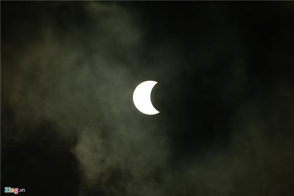Lúc 7h21' trên bầu trời TP HCM.