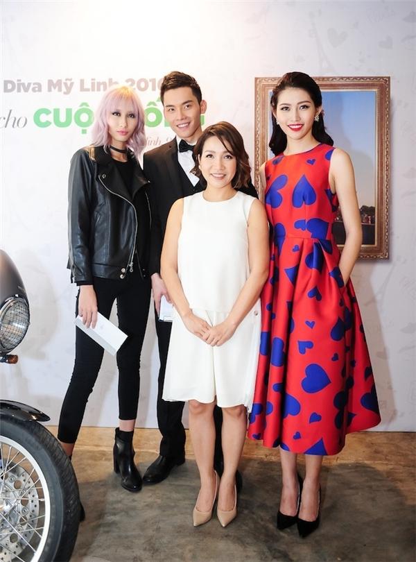 """Lần đầu tiên MV của Diva Tóc ngắn có sự tham gia của một """"biệt đội siêu mẫu"""" muốn chung tay cũng nữ ca sĩ Mỹ Linh lan toả những quan điểm sống đẹp cho cộng đồng. - Tin sao Viet - Tin tuc sao Viet - Scandal sao Viet - Tin tuc cua Sao - Tin cua Sao"""