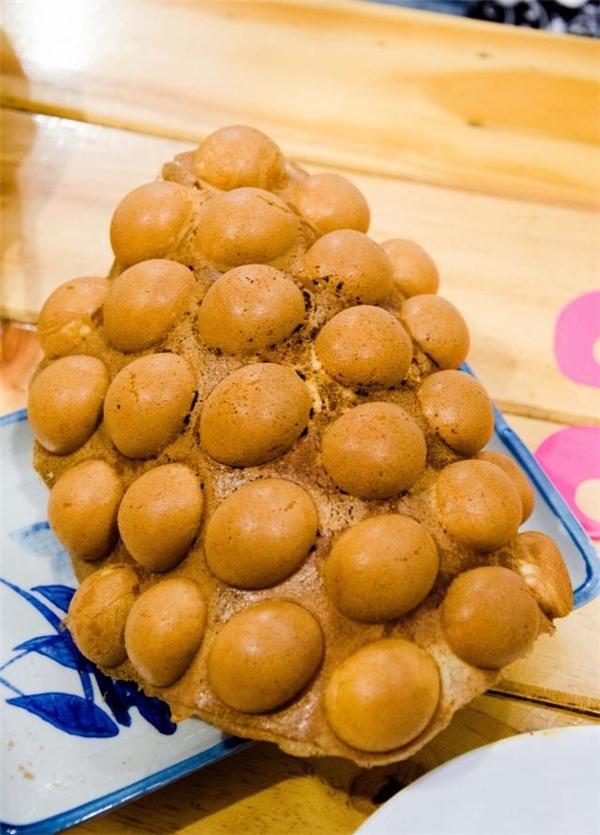 """Bánh nướng lên thơm """"không đỡ nổi"""", lại có nhiều hương vị để lựa chọn như phô mai, trà xanh… Ăn một cái thôi cũng đủ """"nghiện"""" rồi. Giá: 25.000 – 35.000 đồng.(Ảnh: Internet)"""