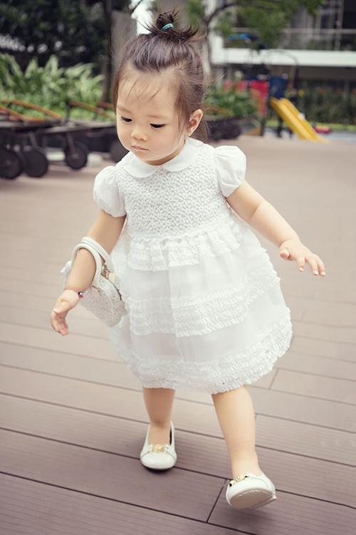 Nét ngây thơ đáng yêu của công chúa nhỏ nhà Đoan Trang. - Tin sao Viet - Tin tuc sao Viet - Scandal sao Viet - Tin tuc cua Sao - Tin cua Sao