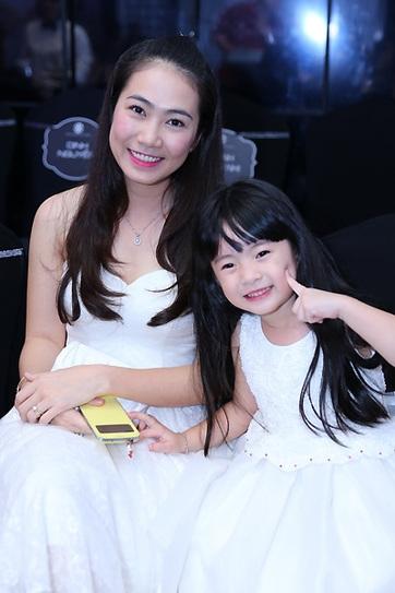 Bé Thảo Chi – con gái MC Thanh Thảo sở hữu nét xinh xắn giống mẹ. - Tin sao Viet - Tin tuc sao Viet - Scandal sao Viet - Tin tuc cua Sao - Tin cua Sao