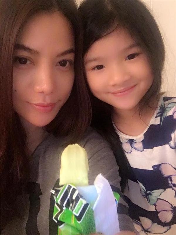 Có tên ở nhà là Devon, Bảo Tiên – con gái Trương Ngọc Ánh năm nay đã được gần 8 tuổi. - Tin sao Viet - Tin tuc sao Viet - Scandal sao Viet - Tin tuc cua Sao - Tin cua Sao