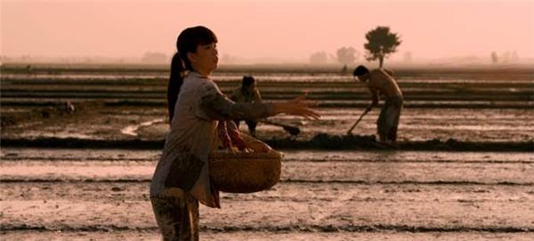 Tuổi thơ cơ cực của Ngọc Trinh được tái hiện đầy chân thực - Tin sao Viet - Tin tuc sao Viet - Scandal sao Viet - Tin tuc cua Sao - Tin cua Sao