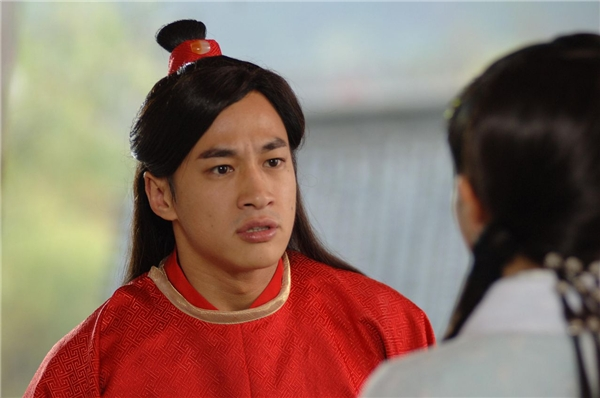 Lương Sơn Bá Hà Nhuận Đông bất ngờ thông báo tin kết hôn