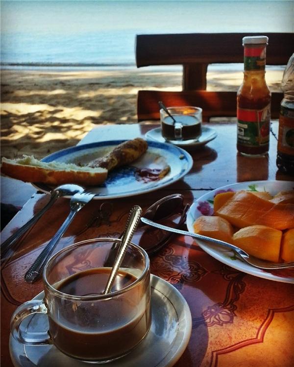 Bữa sáng đơn giảnở Koh Tonsay. (Ảnh: Instagram)