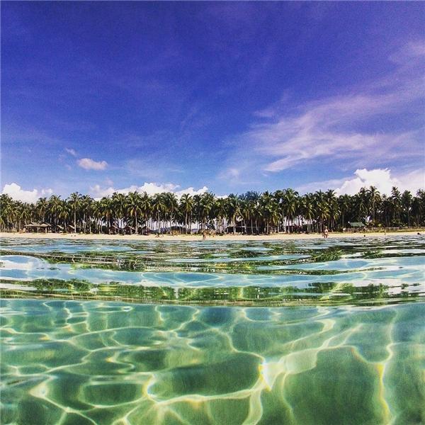 Bạn đã tin vào độ trong vắt của nước biển Koh Tonsay chưa nào? (Ảnh: Instagram)
