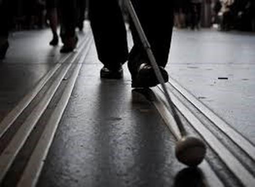 Những cơn ác mộng mà người mù gặp phải đó là những trải nghiệm có phần đáng sợ trong cuộc sống như té ngã hay gặp phải tai nạn khi băng qua đường...