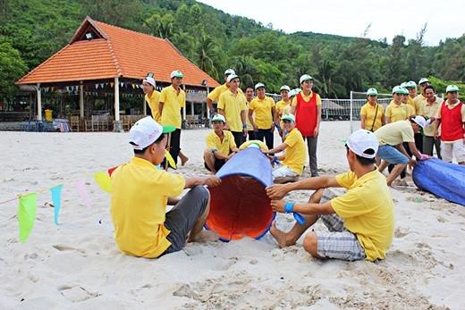 """Bầu không khí vui vẻ, thoái mái trong các buổi """"team building"""" giúp các thành viên hiểu rõ nhau hơn. (Ảnh: Internet)"""