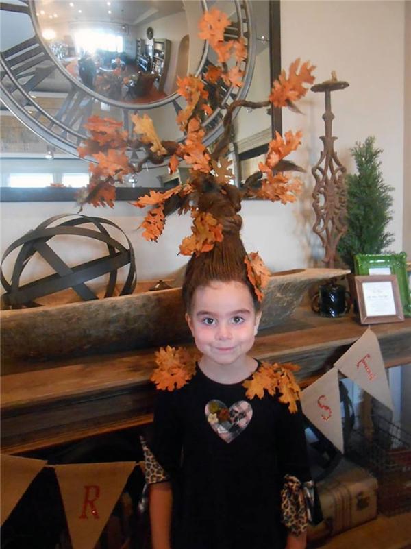 Cô bạn này đã chọn hình ảnh cây phong trang trí cho tóc mình. (Ảnh: Internet)
