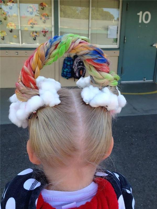 Đem cả cầu vồng để trên mái tóc. (Ảnh: Internet)
