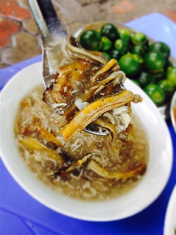Giá cho một bát súp lươn vừa ngon vừa bổ là khoảng 20.000 đến 25.000 đồng. (Ảnh: Internet)