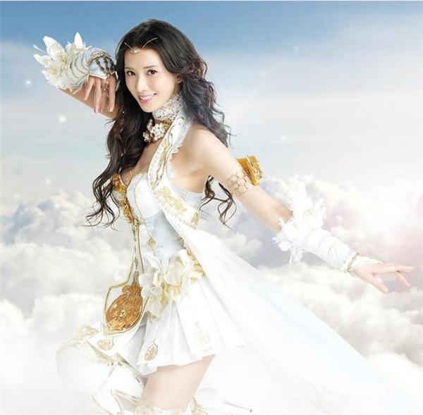 """""""Đệ nhất mỹ nhân"""" của Đài Loan, Lâm Chí Linh thanh tao nhưng vẫn gợi cảm với tạo hình mới này."""