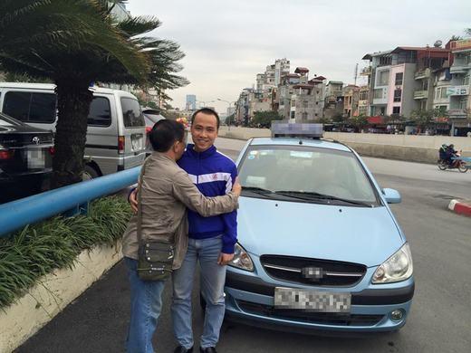 Những hình ảnh bác Mẫn bên cạnhanh Chung. (Ảnh: Facebook)