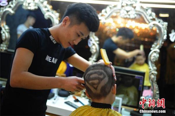 Cạnh tranh với Siêu Nhân luôn!(Ảnh: Chinanews)