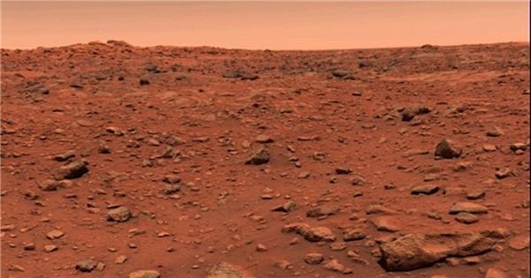 Mặt đất khô cằn trên sao Hỏa