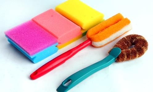 Những miếng rửa chén khônghợp vệ sinh sẽ gây ra bệnh về da, thậm chí cảbệnh tiêu chảy.(Ảnh: Internet)