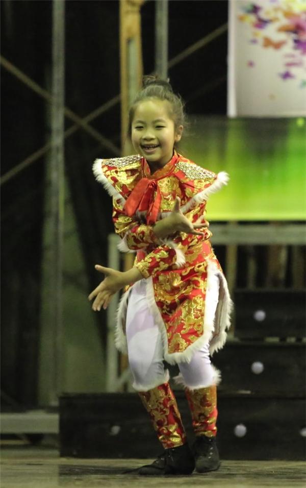 Trấn Thành, Hari Won tái hợp trên sân khấu khiến fan thích thú - Tin sao Viet - Tin tuc sao Viet - Scandal sao Viet - Tin tuc cua Sao - Tin cua Sao