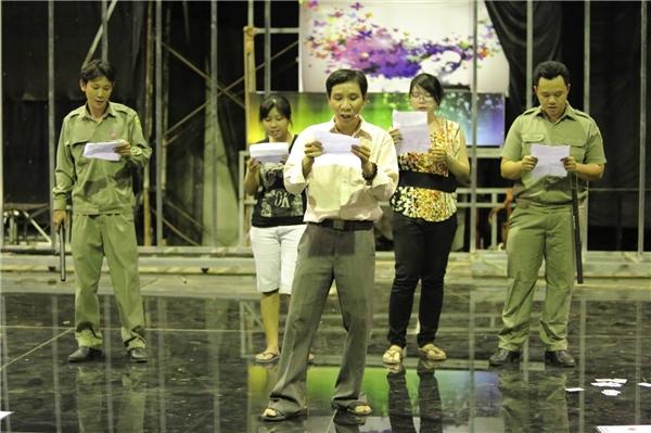 """Nhóm HCYA dẫn đầu là """"thủ lĩnh"""" Đoàn Kiên Định hứa hẹn một tiết mục """"nhạc chế"""" hài hước. - Tin sao Viet - Tin tuc sao Viet - Scandal sao Viet - Tin tuc cua Sao - Tin cua Sao"""