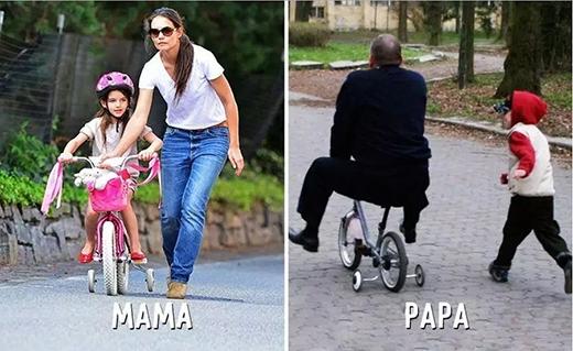 Mẹ chịu khó tập con đạp xe từng chút một, trong khi bố đã hết kiên nhẫn và leo lên đạp luôn cho nhanh. (Ảnh: Internet)