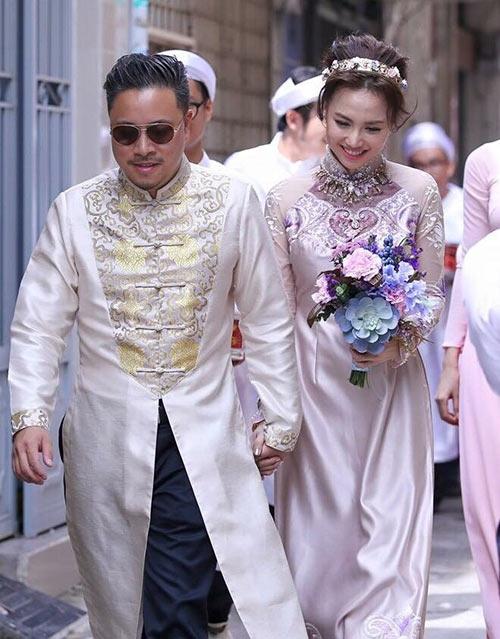 Cặp đôi trong lễ ăn hỏi vào tháng 10 vừa qua. - Tin sao Viet - Tin tuc sao Viet - Scandal sao Viet - Tin tuc cua Sao - Tin cua Sao