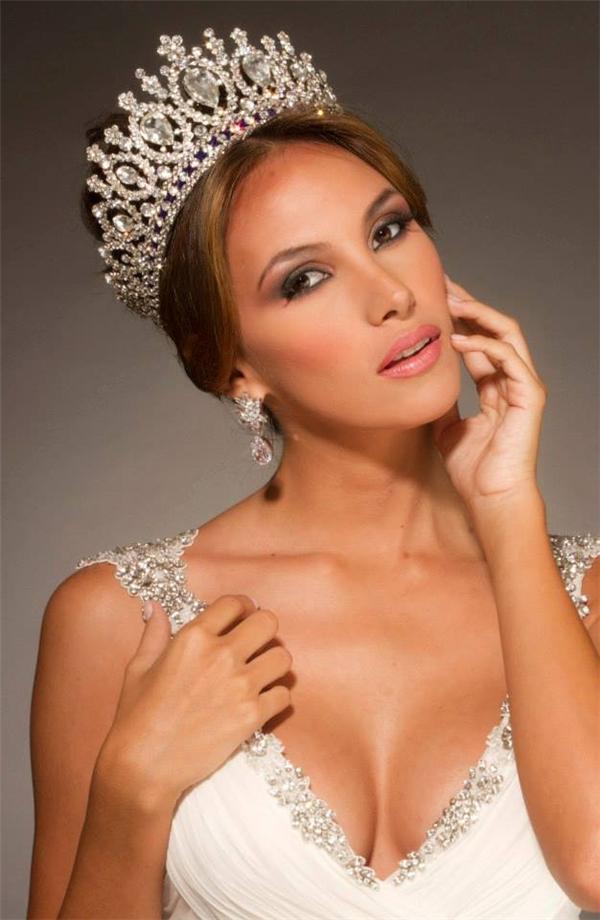 Hoa hậu Liên lục địa 2012 Daniela (người Venezuela) - Tin sao Viet - Tin tuc sao Viet - Scandal sao Viet - Tin tuc cua Sao - Tin cua Sao