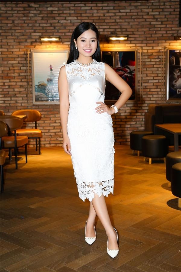 Cũng đảm nhận một vai quan trọng trong phim, trong phần chia sẻ của mình, diễn viên Khánh Hiền tiết lộ Hạ Mây chính là vai diễn thú vị, giúp cô đến gần hơn với khán giả yêu điện ảnh. - Tin sao Viet - Tin tuc sao Viet - Scandal sao Viet - Tin tuc cua Sao - Tin cua Sao